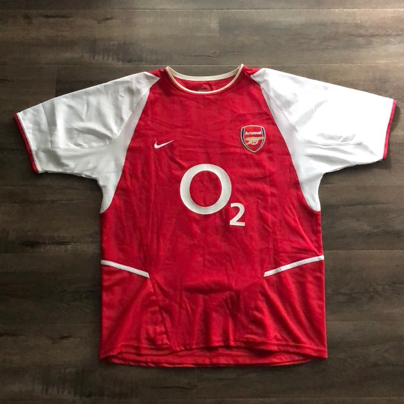 a69bc836939 Nike Vintage Arsenal Jersey - Thierry Henry. M 5c5f70d9c2e9fef1e6c159e3
